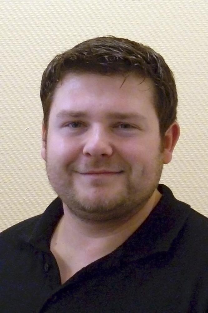 Sebastian Gadek, Zentralfertigung von Einlagen